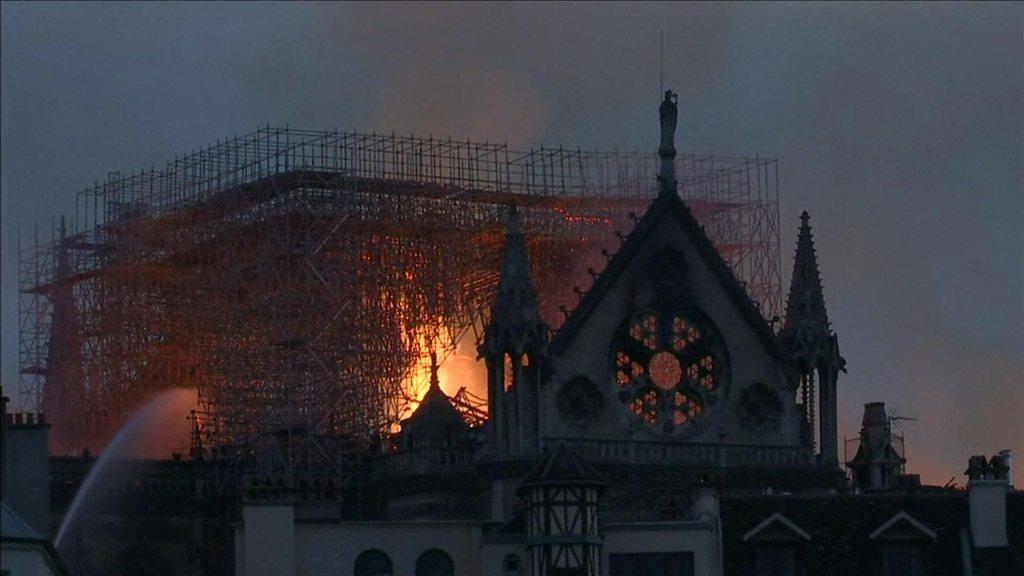 p076lj38 - Notre-Dame cathedral: Macron pledges reconstruction after fire