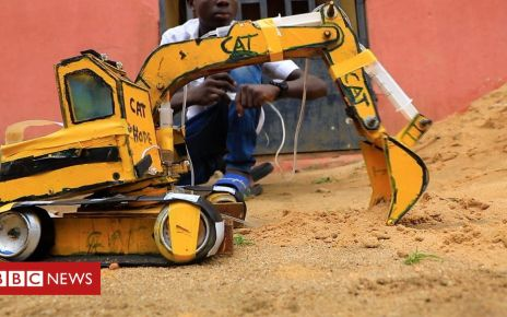 106773293 p0784h5p - Fifteen-year-old Nigerian builds small scale construction machines
