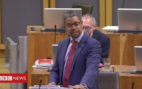 106829033 vaughangething7may19 - Cwm Taf: Health minister facing no-confidence motion