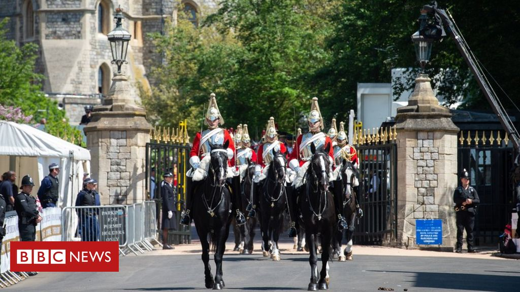 107004841 aponey 2018 040 royalwedding 1067 - Household Cavalry parade marks end of era in Windsor