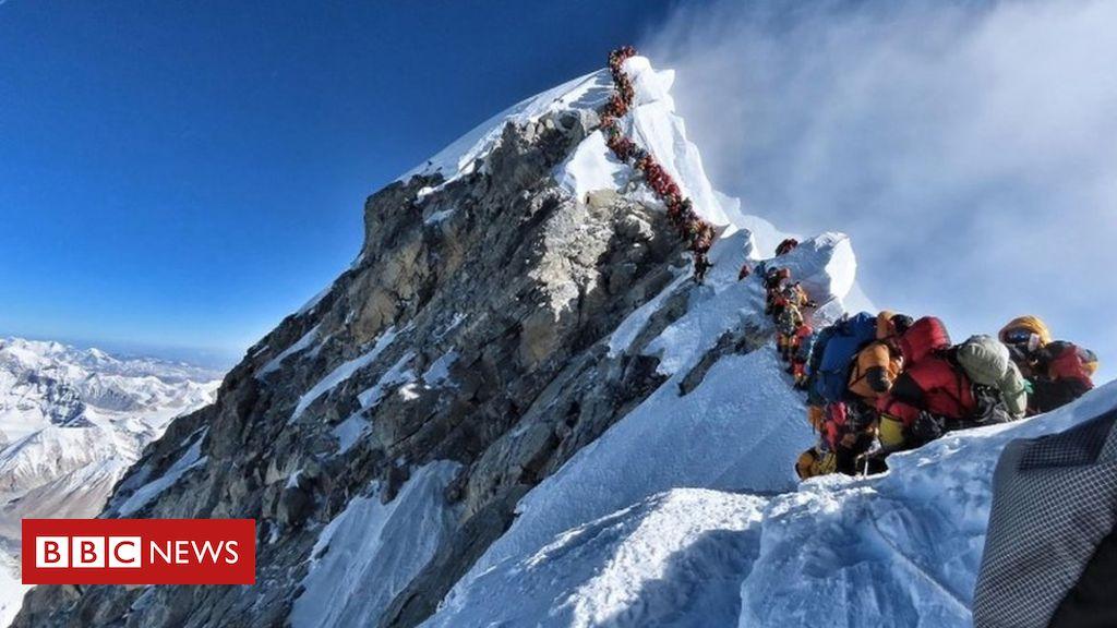 107093453 mediaitem107093452 - Three more die on Everest amid overcrowding near summit