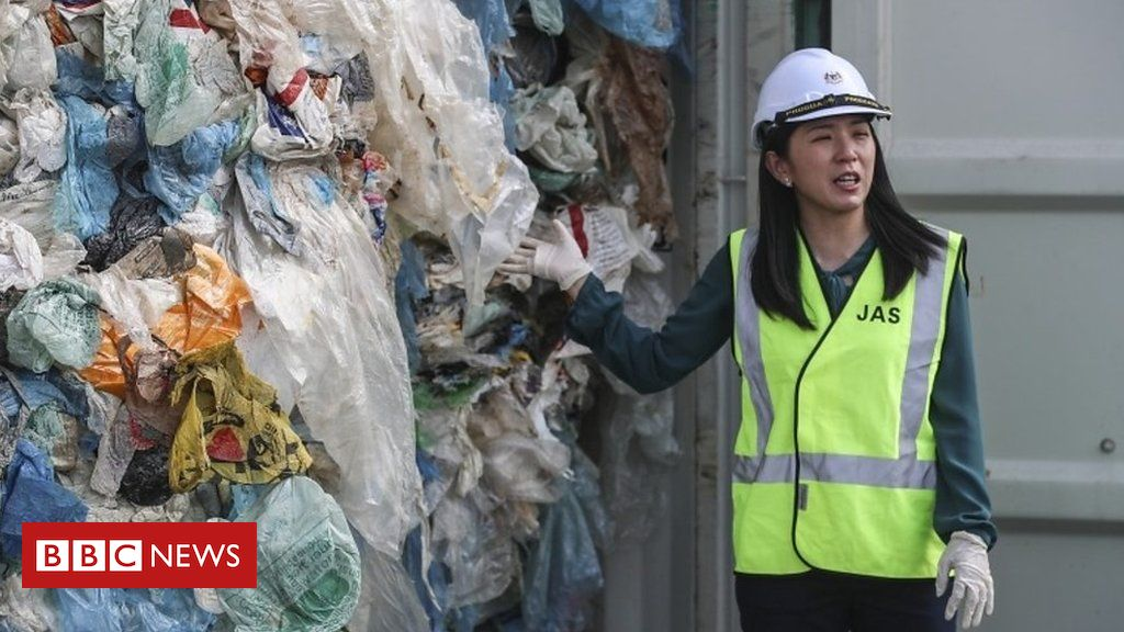 107143496 p07bl6kn - Malaysia orders tonnes of imported waste to be returned