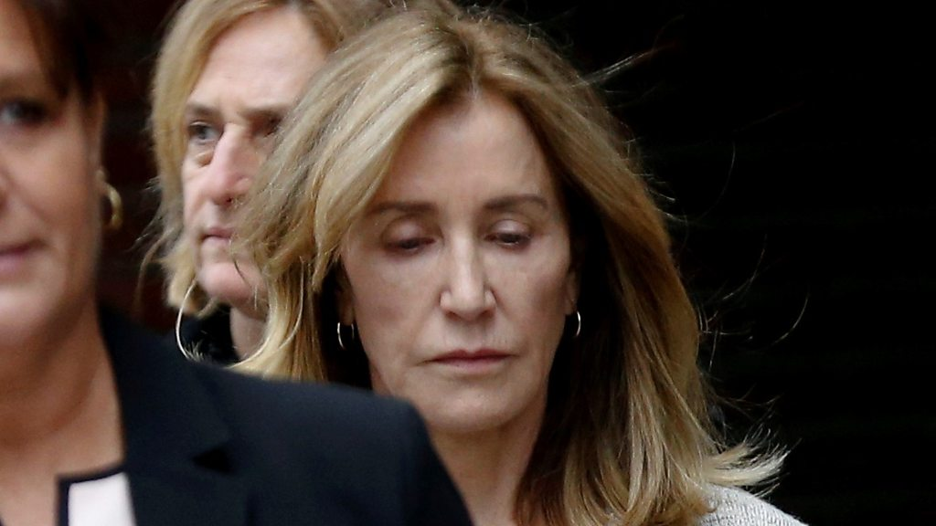 p0793vyz - Felicity Huffman pleads guilty in college admissions scandal