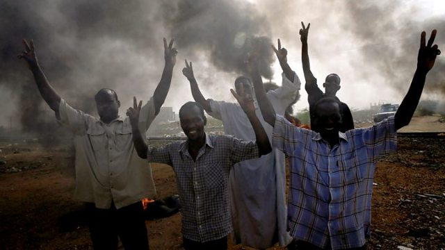 Sudan crisis Security forces condemned for violence against protesters - Sudan crisis: Opposition rejects offer of talks amid bloody crackdown