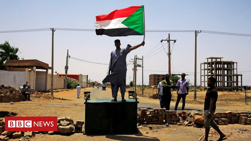 107254063 mediaitem107254062 - Sudan crisis: Opposition rejects offer of talks amid bloody crackdown