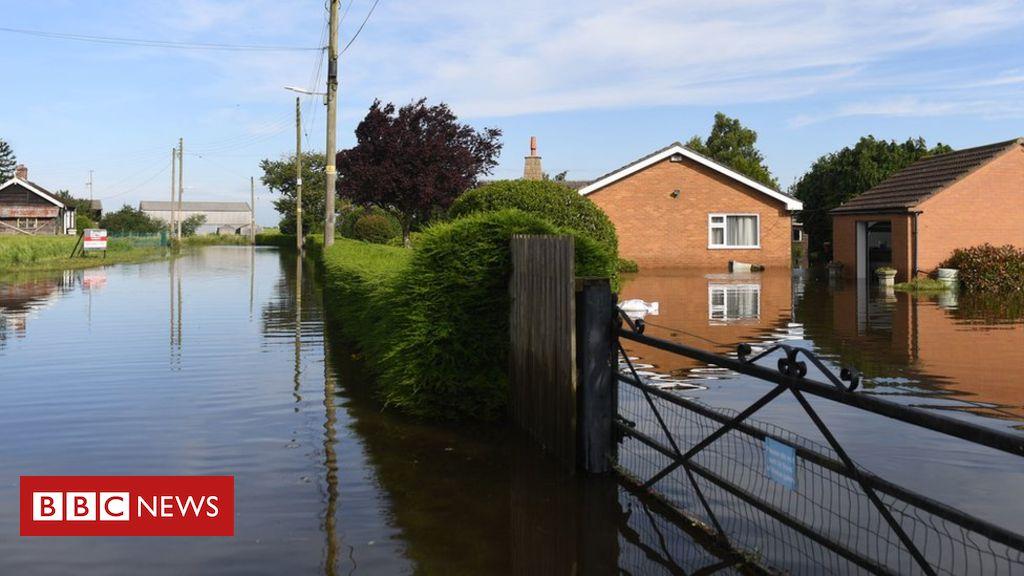 107403339 hi054672102 - Wainfleet flooding: Homes remain evacuated until Friday