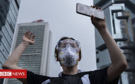 107583738 149540017 - How apps power Hong Kong's 'leaderless' protests