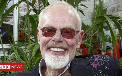 99956519 harris1 bbc - Bob Harris takes DJ break due to illness