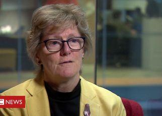 104047922 de22 - UK's top doctor calls for global health effort