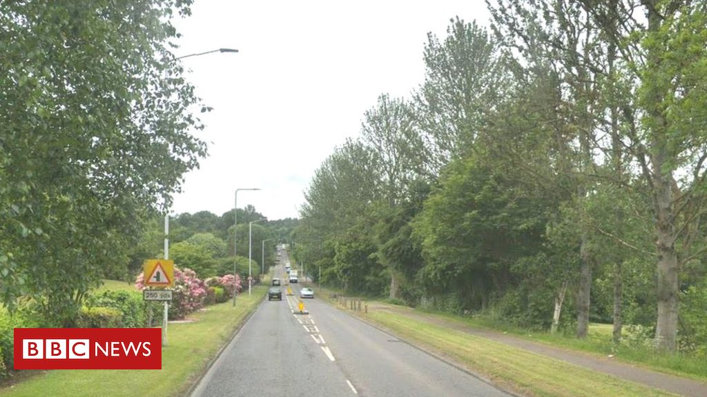 107873423 glenrothes - Man and woman dead after car hits pedestrians in Glenrothes