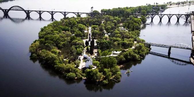 монастырский остров в днепропетровске