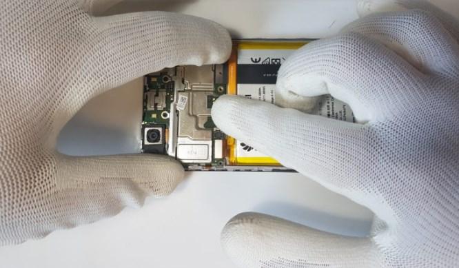 Подключение разъемов на телефоне Huawei P Smart
