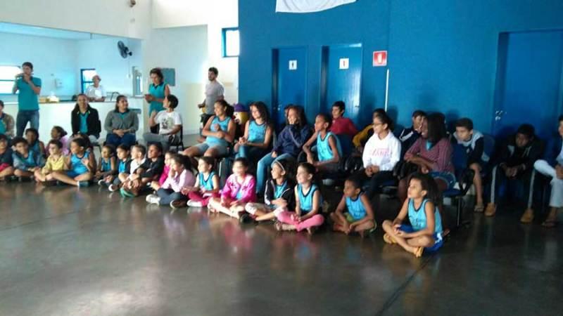 """Projeto """"Vida Feliz"""" visita escola no Jardim Iguatemi"""