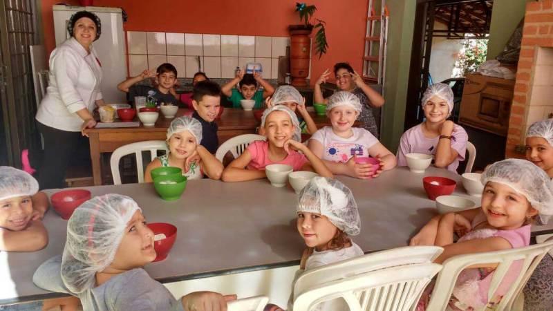 Primeiro curso da Chef Amanda com os mini-chefs foi um sucesso