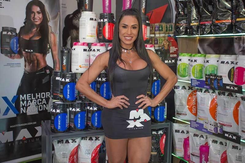 A musa fitness Gracyanne Barbosa esteve em Ribeirão Preto e falou ter um carinho especial pela cidade