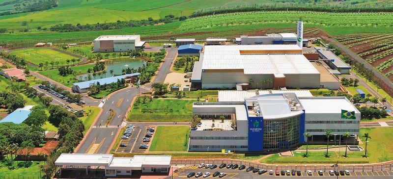A empresa Ourofino está instalada em um terreno de 180 mil metros quadrados e é a maior de Cravinhos