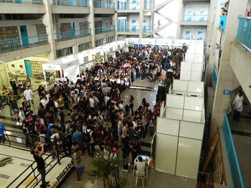 Estácio 'Abre as Portas' reúne mais de 1800 alunos do Ensino Médio