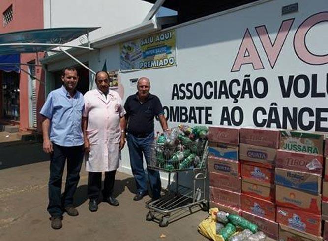 Caixas de leite e anéis de cerveja e refrigerante arrecadados no município de Cravinhos