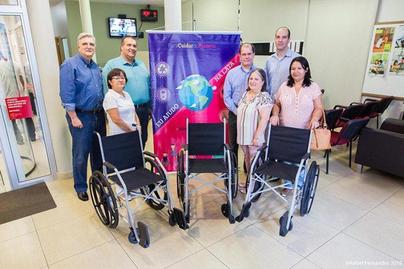 Unimed Ribeirão Preto entrega de 10 cadeiras de rodas para entidades filantrópicas