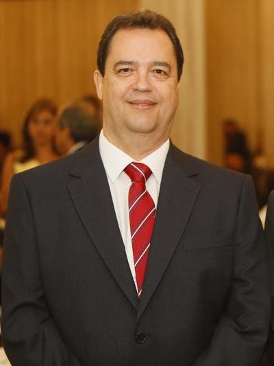 Paulo César Garcia Lopes é reeleito presidente do SINCOVARP