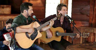 Dupla Lucas & Luan faz show com convidados