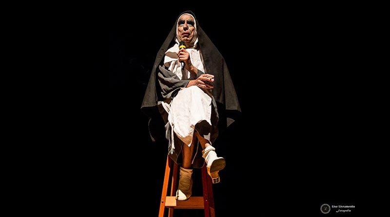 Espetáculo Irmã Selma proporciona diversão no Teatro Municipal