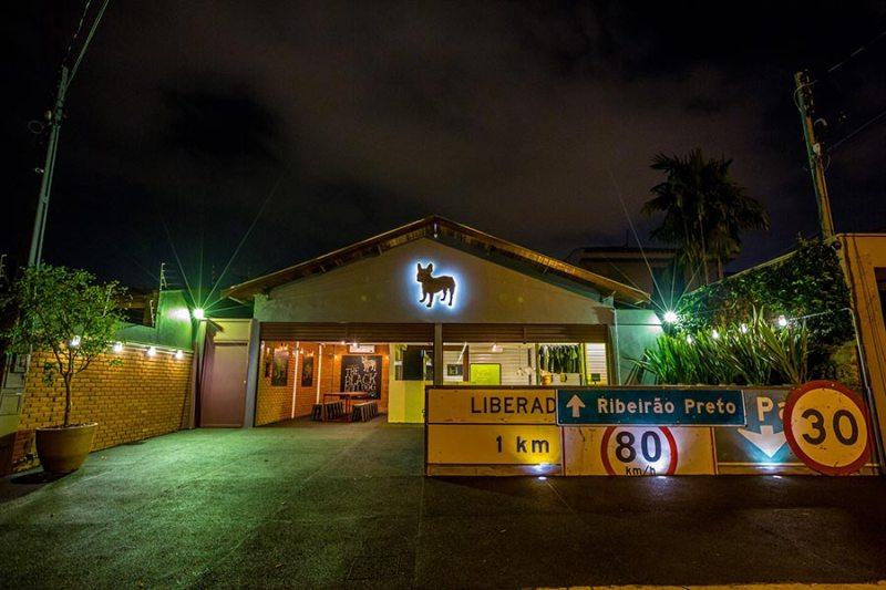The Black Bulldog realiza evento solidário ao som de clássicos do New Wave
