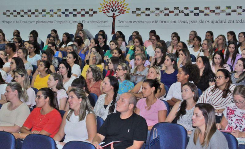 Semana pedagógica discute políticas públicas e movimento pela vida