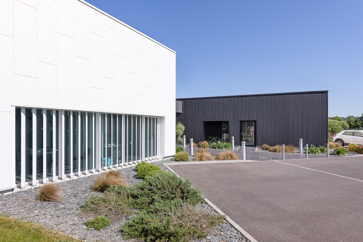 photographe d'architecture ©INTERVALphoto : Agence L2A, tertiaire, office notariale, Tinténiac (35)