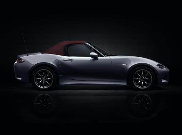 Mazda-MX-5-ST-Red-Heritage,
