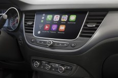 Seamless connectivity: Navi 5.0 IntelliLink infotainment in the Opel Crossland X.