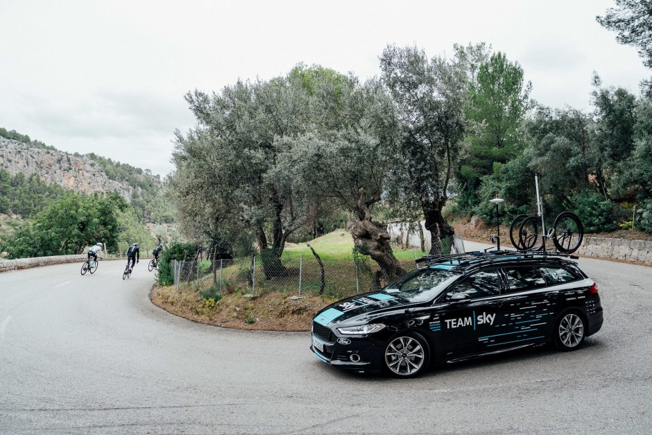 Ford Adds AWD Mondeo ST-Line and New Tourneo Custom to Team Sky