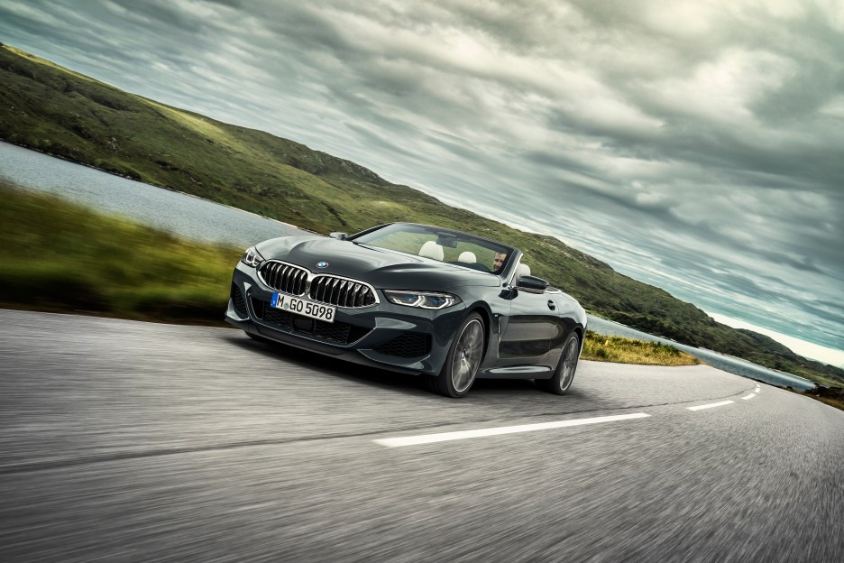 P90327622_highRes_the-new-bmw-8-series