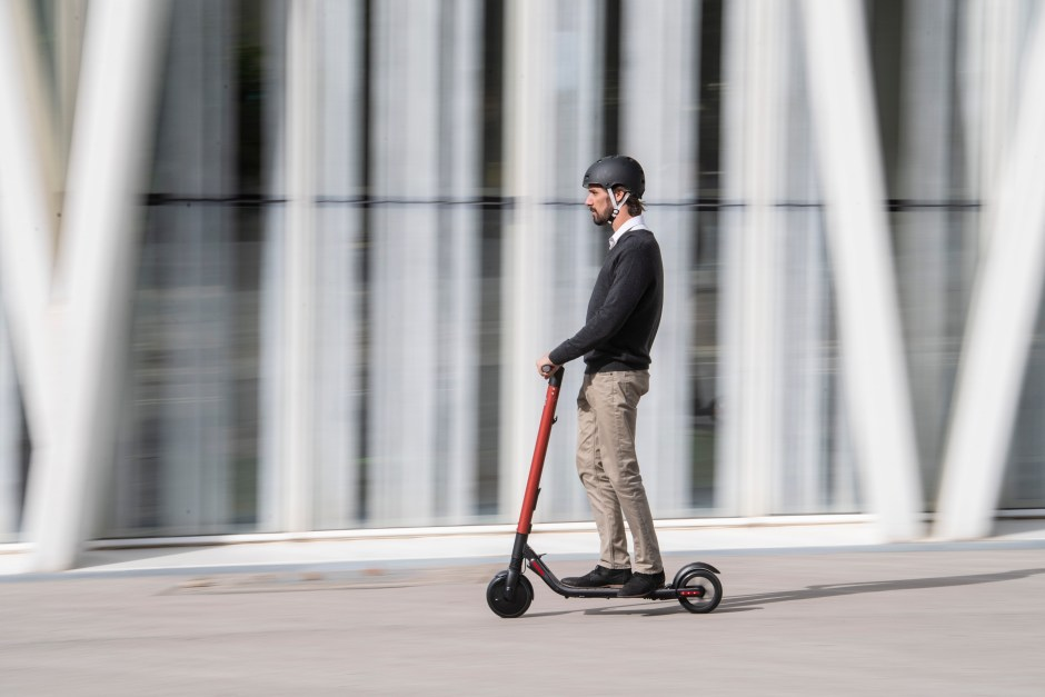 SEAT-micromobility-new-eXS-KickScooter_002_HQ