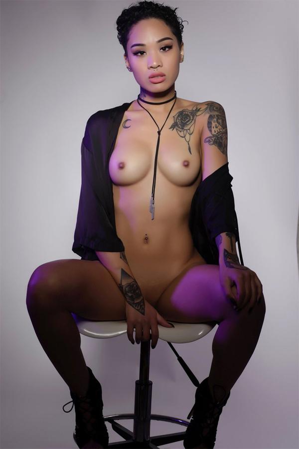 naughty nude moms fucking photos