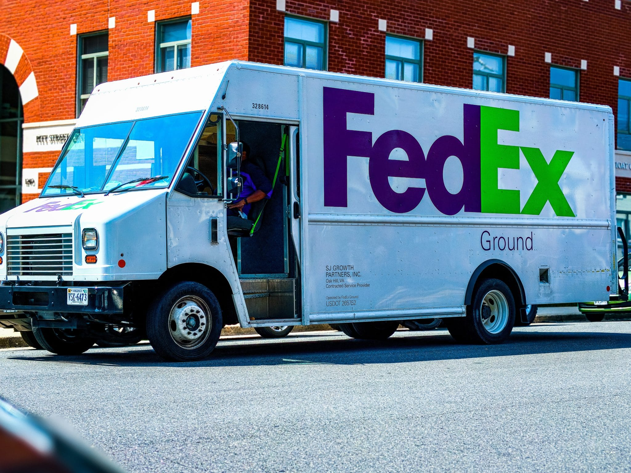 amazon lifts fedex ground delivery ban