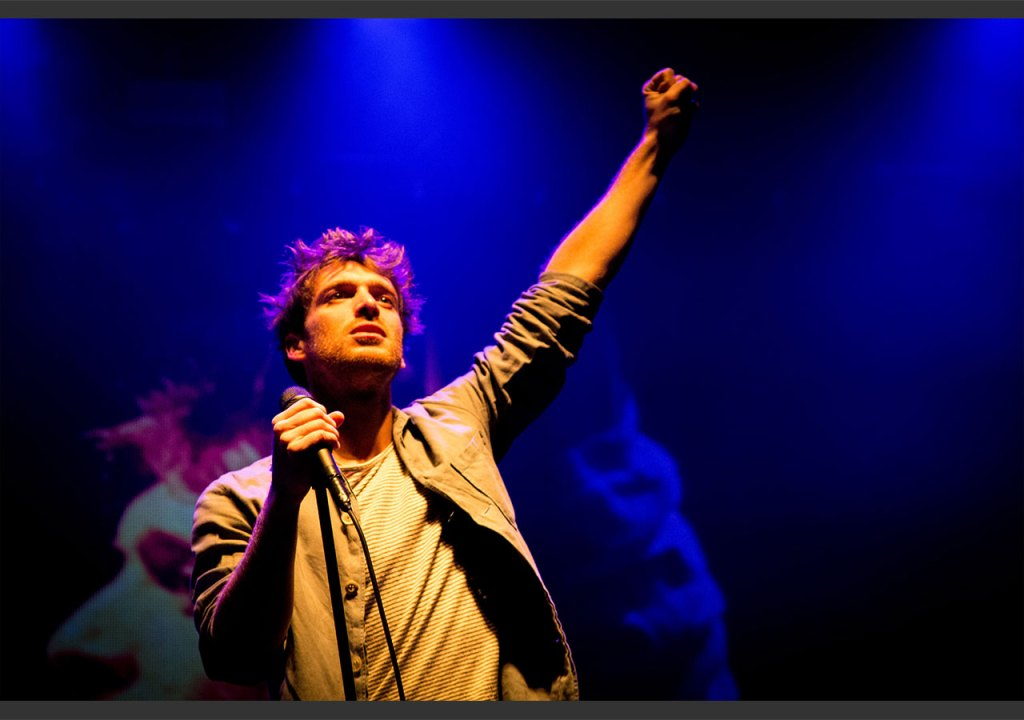 Paolo Nutini playing live in Edinburgh