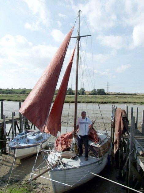 Clinker built Dauntless 22 cruising sailing yacht for sale at Oare Creek