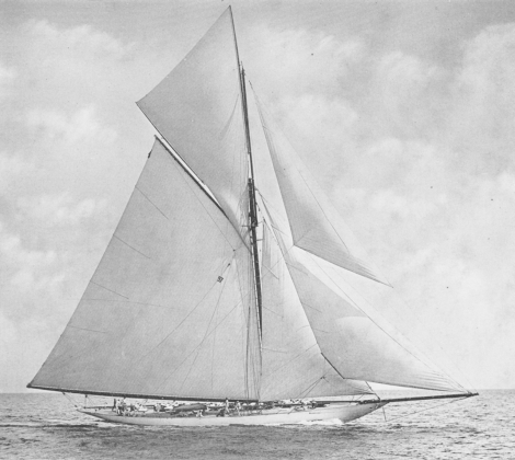 Classic 100-year-old photos of racing sailing yachts from the America's Cup Vigilant