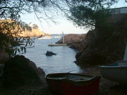 Ben Crawshaw's Onawind Blue cruises on the coast of Spain