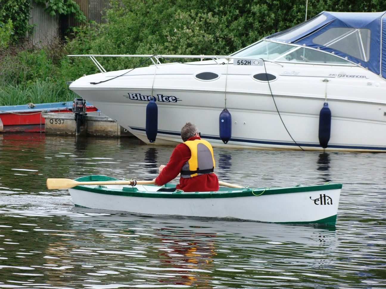We try the rowing version of the Ella stitch and glue ...