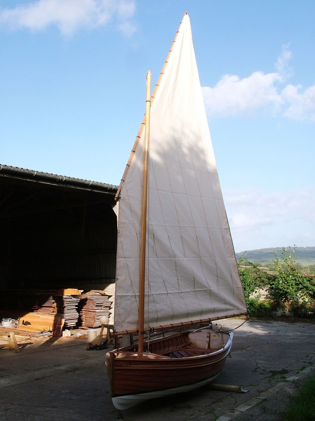 Pictures Of Clinker Brick And Lava Rock Houses: Stirling & Son Take A Clinker-built 14ft Sailing Dinghy To