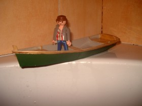 João Pereira builds a model Ella skiff 2