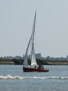 Oare Creek to the Colne and back Brightlingsea One Design 3