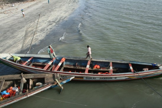 47 ferry pirogue banjul 2009