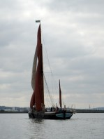 The Medway barge match, 2013 – an accidental photo gallery