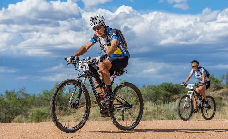 79-year-old Bill Jooste will aim to break the 24-hour milestone at the gruelling Desert Dash this weekend. Photo: Supplied.