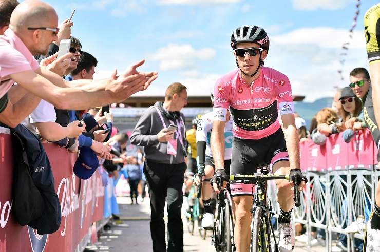 A late attack in the final couple of kilometres of stage 11 enabled Mitchelton-Scott's Simon Yates of Britain to claim his second stage win of the Giro d'Italia. Photo: Massimo Paolone/LaPresse
