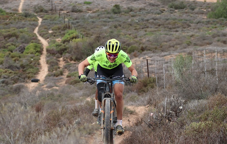 Ceajay Bosman and Kirsten Roelofse won the junior men's and women's cross-country races of the Oudtshoorn Youth Festival. Photo: Louis Visser
