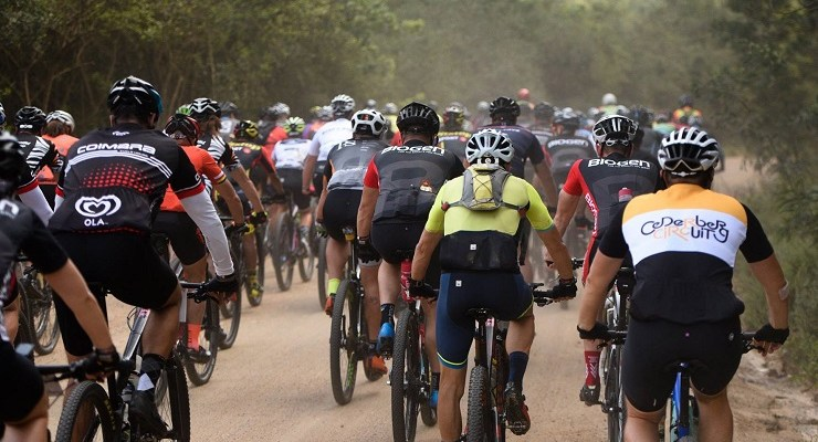 A bunch of riders pictured during stage four of the Cape Pioneer Trek. Photo: Carli Smith